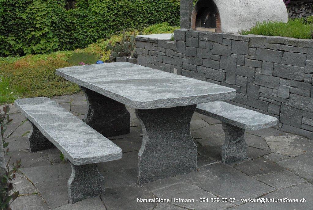 Granittisch-002-Grossm.jpg