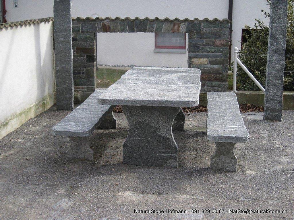 Tisch Classico unter Pergola